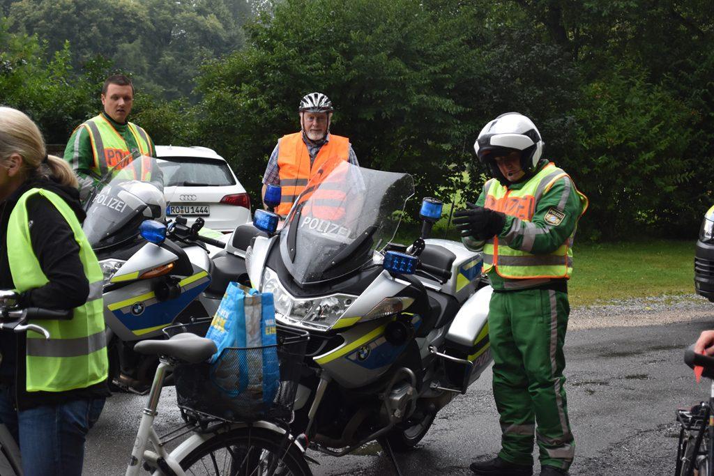Gute Betreuung durch die Polizei  Bürgerforum Inntal Fahrraddemo 2018, Brennernordzulauf