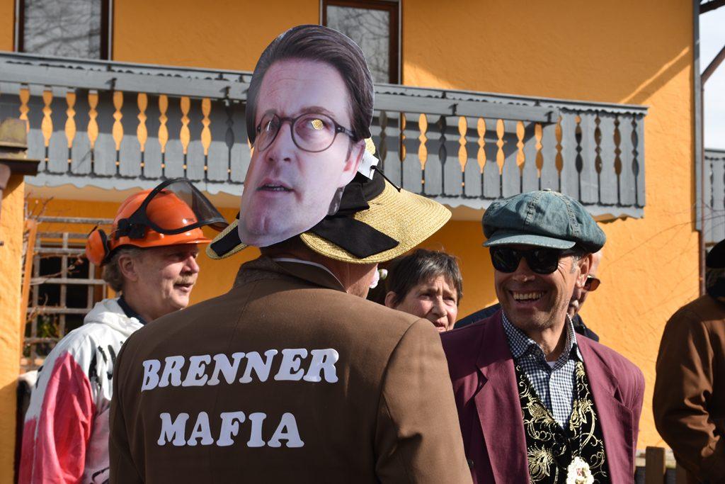 Über den Kopf lacht jeder! Scheuer der Brenner Mafiosi Bürgerforum Inntal Faschingzug Flintsbach