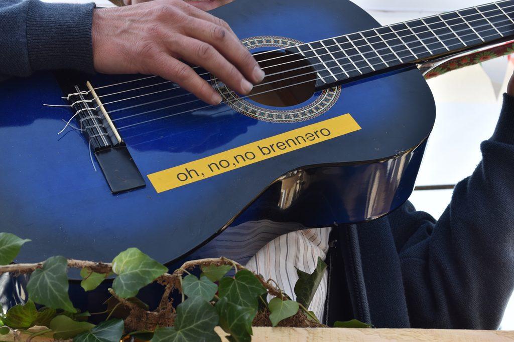 Der Song schlechthin. Bürgerforum Inntal Faschingzug Flintsbach Brennernordzulauf