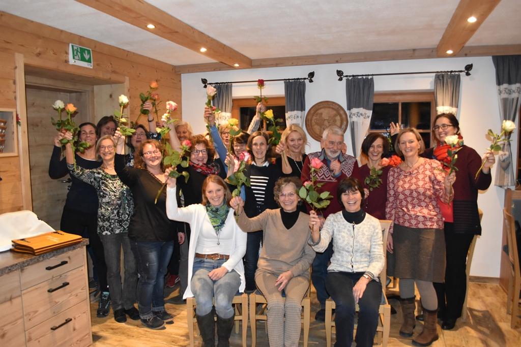 BFI Jahresabschluss 2019  Besonderer Dank galt den Lebensparterinnen und Partner. Hoch die Rosen.