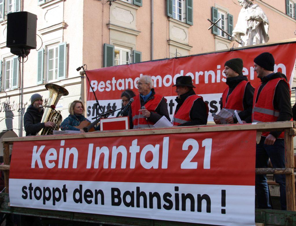 """Die Musikgruppe """"Neurosenheimer"""", Dr. Freder Storandt und weitere Sänger """"derblecken"""" Politiker und"""