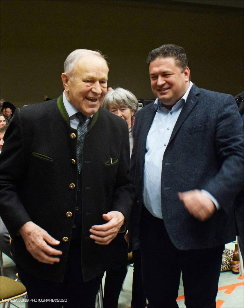Im Widerstand vereint  Hans Schuirer ehemaliger Landrat von Wackersdorf und Thomas Riedrich vom Bren